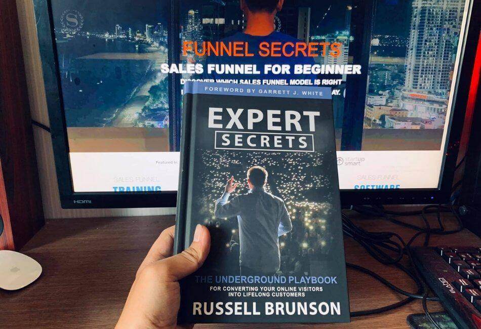 The secrets trilogy box set: Expert secrets book